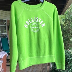 Ladies Hollister Sweatshirt..🍈Size medium